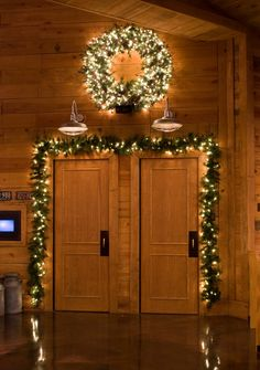 Christmas Wreath and Garland door decoration.