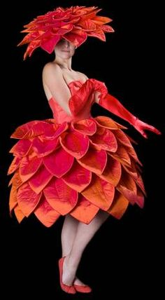 I would have the Golden Afternoons wear this beautiful flower costume for their part. They would wear in colors red, orange, pink, and yellow. Flower Costume, Ballerina Costume, Wonderland Costumes, Creative Costumes, Fairy Dress, Halloween Disfraces, Floral Fashion, Costume Makeup, Flower Dresses