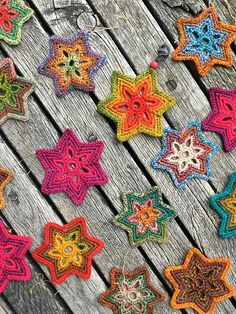 Bethlehem Stars Free Crochet Pattern Crochet stars decorate every corner of your home. Crochet Garland, Crochet Stars, Crochet Circles, Crochet Motifs, Crochet Snowflakes, Love Crochet, Crochet Gifts, Beautiful Crochet, Easy Crochet