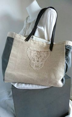Recycled jute canvas bag, bag stuffs all, bag of shopping, Tote, tote bag in single model made hands Burlap, Reusable Tote Bags, Etsy, Fashion, Tote Purse, Hessian Fabric, Moda, Fashion Styles, Fashion Illustrations