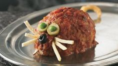 Dont be afraid to let these rambunctious little rats into your kitchen!  Individual meat loaf portions fashion these yummy little critters that are sure to spark conversation.