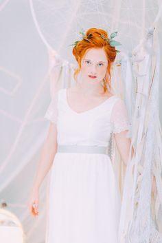 noni Federleicht Brautkleider 2016 | Hochzeitskleid mit Spitze und Ärmeln im vintage Stil (Foto: Le Hai Linh)