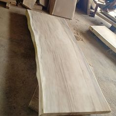 #woodslabs #liveedge #furniture #suarwood #diningtable #homeinterior #woodworking #acacia #walnut Live Edge Furniture, Wood Furniture, Acacia, Hardwood Floors, Flooring, Wood Slab, Home Interior, Woodworking, Photo And Video