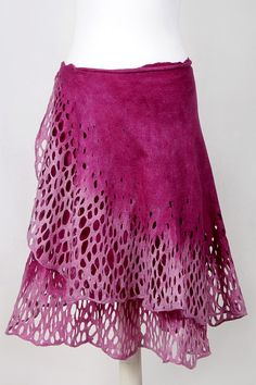This is a very light skirt made from silk and merino wool. Skirt wrapped around the waist. Can be worn as a dress. Free size. The quality and