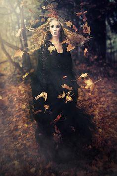 Joanna Filipiec - Zorant Klaudia - A Witch I am )O( - Halloween Halloween Photography, Fantasy Photography, Portrait Photography, Fashion Photography, Magical Photography, Foto Fantasy, Dark Fantasy, Fantasy Art, Witch Photos