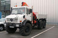 unimog van | MB-Unimog-6x6-weiss-PvUrk-300609-02.jpg - Piet van Urk