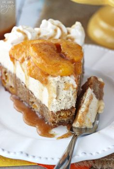 This Peach Caramel Blondie Cheesecake is the stuff dreams are made of. A peach and cinnamon filled blondie is topped with caramel no bake cheesecake, cinnamon peaches and caramel sauce. There is no better way to enjoy some peaches this summer! Peach Cheesecake, Caramel Cheesecake, No Bake Cheesecake, Cheesecake Recipes, Classic Cheesecake, Homemade Cheesecake, Dessert Party, Party Desserts, Dessert Recipes