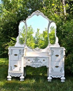 Antique Vanity Makeover - Custom Painted Antique Vanity in a Cottage Chic, French Country Style Repurposed Furniture, Shabby Chic Furniture, Shabby Chic Decor, Vintage Furniture, Distressed Furniture, Paint Furniture, Furniture Makeover, Furniture Design, Dressing Table Vanity