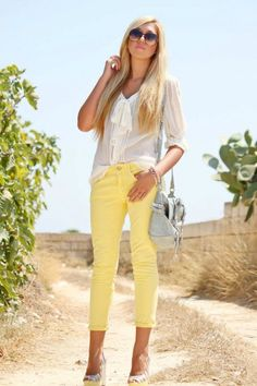 These pastel yellow jean capris would look great with a navy top!