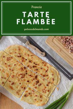 Tarte Flambée o Flammkuchen.  http://golososdelmundo.com/2017/05/tarte-flambee/