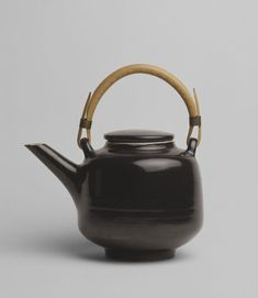 Modernist elegance   Teapot   Rie, Lucie   V&A Search the Collections