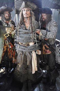 Pirati dei Caraibi 5 | prima immagine con Johnny Depp | trama ufficiale | cast | foto dal set