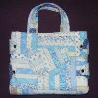 Praktická rozkladacia taška na všetko potrebné pre bábätká.Po rozložení je možné bábätko na taške prebaliť.Skladá sa rýchlo a jednoducho.Vyrábame na objednávku v rôznych farbách.