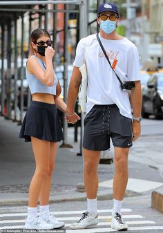 Couple Outfits, Short Outfits, Casual Outfits, Look Blazer, New Boyfriend, Kaia Gerber, Models Off Duty, Teen Fashion, Celebrity Style