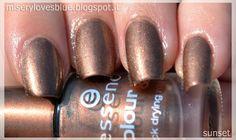 MERCURY: Battle Of Planet: Mercury. Essence Colour&Go Just In Case http://miserylovesblue.blogspot.it/2013/09/battle-of-planet-mercury-essence-colour.html