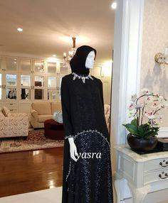 Fancy Dress Short, Simple Long Dress, Pink Dress Outfits, Winter Dress Outfits, Muslim Fashion, Hijab Fashion, Fashion Dresses, Black Dress Accessories, Hijab Dress Party