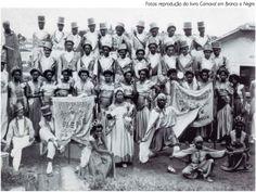 A escola de samba Nenê da Vila Matilde (SP) nos anos 1950.     Você gosta de samba? Visite o Traço de União: http://www.tracodeuniao.com.br