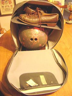 VINTAGE BOWLING LADIES BAG, BALL AND SHOES 1950'S BRUNSWICK