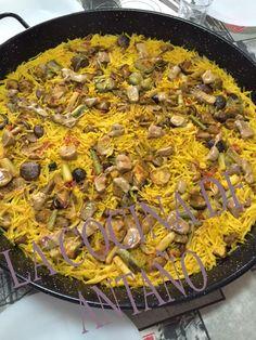 Como bien sabéis, en este blog intento que los platos que aparezcan sean típicos de nuestra tierra y que hayan sido preparados, durante...