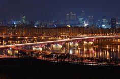****  Amazing nocturn urban landscape/Extraordinari paisatge nocturn urbà