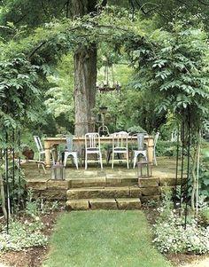 Gorgeous 40 Vintage Garden Furniture Ideas for Outdoor Living https://roomaholic.com/798/40-vintage-garden-furniture-ideas-outdoor-living #vintagegardening