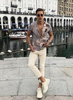 Summer Fashion Tips casual fashion.Summer Fashion Tips casual fashion Fashion Casual, Mens Fashion 2018, Best Mens Fashion, Miami Fashion, Winter Fashion Outfits, Fashion Tips, Summer Outfits, Fashion Usa, 2000s Fashion