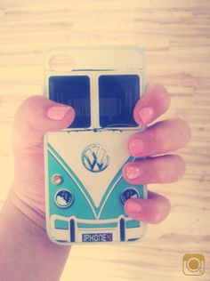 VW iPhone 4-4s case❤️{nails}