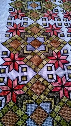 This Pin was discovered by Δήμ Cross Stitch Bookmarks, Cross Stitch Borders, Cross Stitch Charts, Cross Stitch Designs, Cross Stitch Embroidery, Cross Stitch Patterns, Quilt Patterns, Cross Stitch Tutorial, Palestinian Embroidery