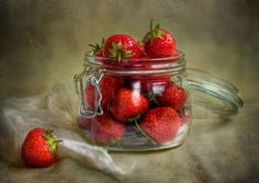 Strawberries by Mandy Disher on 500px