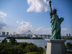Statue of Liberty replica and Rainbow Bridge, Odaiba close by the hotel