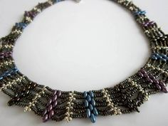 Video: Superduo Beaded Necklace. - Clear.  Easy to follow but you may want to turn the volume down.   #Seed #Bead #Tutorials