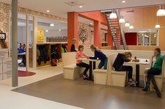 Studieplekken op de gang, Nieuwe Baarnse School, Baarn.