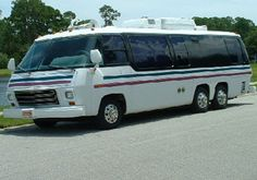 Rv Motorhomes, Gmc Motorhome, Airstream Trailers, Rv Campers, Camper Van, Retro Rv, Automobile, 20ft Container, Ford
