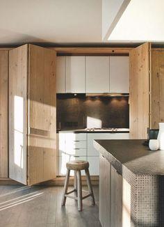 #kitchen #hiddenkitchen | Cuisine ouverte : 5 façons de bien l'aménager - Côté Maison
