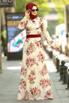Shop for muslim ladies dresses, suits and jumpsuits with the best prices. Hijab Dress Party, Hijab Style Dress, Abaya Fashion, Fashion Wear, Fashion Outfits, Hijabi Gowns, Arab Girls Hijab, Muslim Girls, Mode Abaya