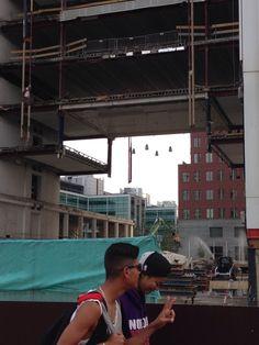 Doorkijkje naar Spuikwartier vanaf Centraal Station