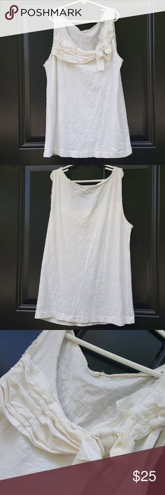 """J. Crew tank top J. Crew  Size S  Underarmto underarm 17"""" Length from shoulder all the way down 24""""  100% cotton white tank top in excellent condition! J. Crew Tops Tank Tops"""