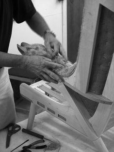 PP Møbler. Upholstering Wegners Teddy Bear Chair.