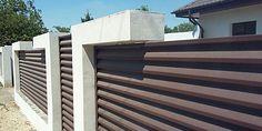 Gard metalic din lamele orizontale tip jaluzea - lucrare in Teleorman Garage Doors, Stairs, Urban, Metal, Outdoor Decor, Modern, Home Decor, Stairway, Trendy Tree