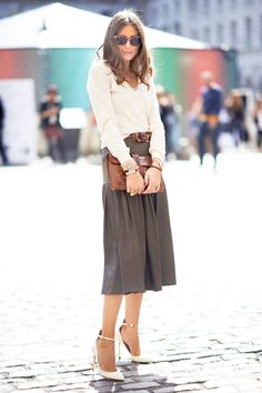 Love this length with the pointy toe pump - shoe and skirt on the list for fall shopping!