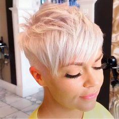 Kurze Haar Kurze rosa Frisuren Which Wedding Favour? Short Choppy Haircuts, Messy Bob Hairstyles, Medium Bob Hairstyles, Edgy Pixie Cuts, Short Hair Cuts, Short Pixie, Medium Hair Styles, Short Hair Styles, Longer Pixie Haircut