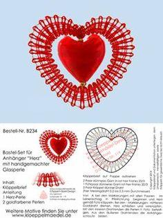 Klöppeln, Klöppelbrief, Erzgebirge, Annaberg-Buchholz, Volkskunst, Klöppelmädel Design Filet Crochet, Crochet Motif, Bobbin Lace Patterns, Lace Heart, Lace Jewelry, Needle Lace, Heart Patterns, String Art, Lace Detail