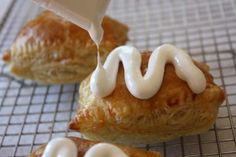 Peanut Butter S'Mores Turnovers YUMMY, YOU WILL WANT TO MAKE THESE EASY, DELICIOUS TURNOVERS TODAY. YOU CAN HAVE EVERYTHING FINISHED AND READY TO SERVE IN AN HOUR. HAVE YOUR CHILDREN HELP WITH THESE, OR EVEN YOU YOUTH GROUP AT CHURCH. EVERYONE WILL LOVE THIS WONDERFUL DESSERT OR TREAT. TRY THIS TODAY...ENJOY