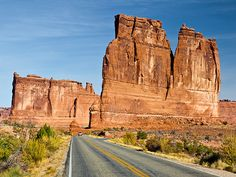 National Parks Road Trip: Utah (5 National Parks).  Picture of a highway in Arches National Park, Utah