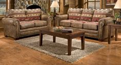 Rustic leather furniture - Place a carpet near or under his big leather furniture. Open floor space provides large rustic leather furniture little sense. Western Living Rooms, Farmhouse Living Room Furniture, Cabin Furniture, Country Furniture, Leather Furniture, Furniture Projects, Furniture Plans, Diy Furniture, Farmhouse Sofas