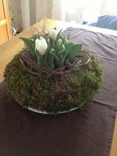 Frühlingsdeko - oder warum mein Adventskranz nochmal Karriere macht