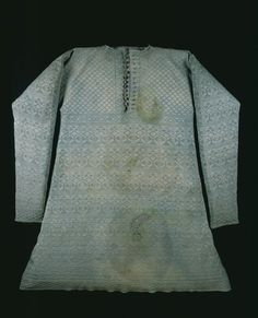 thestuartkings:  The vest Charles I wore at his execution;1640-1649  A knitted pale green silk vest or waistcoat said to have been worn by Charles I at his execution in 1649. The stains on the front are believed to be blood, but forensic tests in the 1950s and 1980s failed to prove this conclusively.