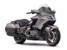 The base model of the 2018 Honda GL 1800 Goldwing has the side panniers as standard. Triumph Motorcycles, Vintage Motorcycles, Custom Motorcycles, Honda Crv Interior, Womens Motorcycle Helmets, Motorcycle Girls, Motorcycle Quotes, Ducati Monster Custom, Dual Clutch Transmission