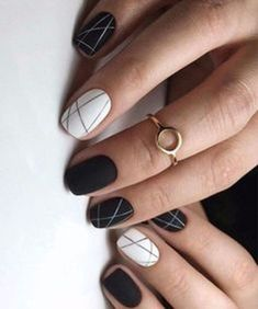 Cool Black Nail Ideas For Women 37