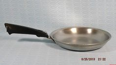 VINTAGE FARBERWARE STOVE TOP FRY PAN, EGG PAN, OMELET PAN USA First Kitchen, Functional Kitchen, Kitchen Collection, Omelet, Digital Camera, Cookware, Baby Items, Stove, Egg